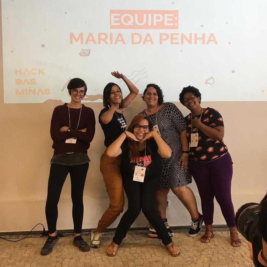 Grupo de estudantes formado por mulheres venceu Hack das Minas no Porto Digital.